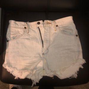 Wrangler Size 29x34 Light Washed Shorts